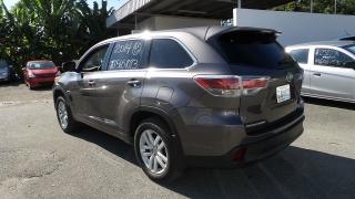 Toyota Highlander Le Gris 2014