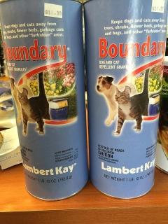 Repelente granulado para gatos y perros para que no te dañen el jardín