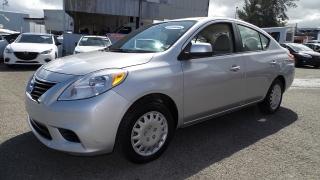 Nissan Versa SV Plateado 2012