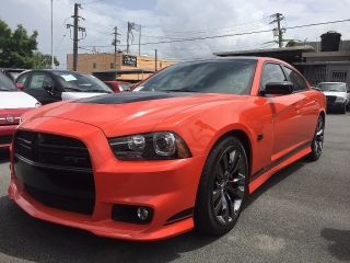 DODGE CHARGER SRT8 EDICION LIM. 392
