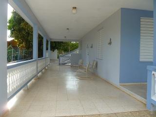 Tu casa cerca de playa del Faro en Cabo Rojo