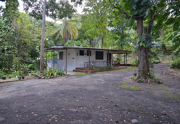 Casa de campo para rentar alquilar en bayamon bienes for Casa de campo en sevilla para alquilar