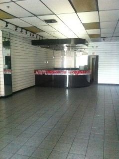 Impecable local 2,494 pies cuadrados en Centro Gran Caribe Mall, Vega Alta.