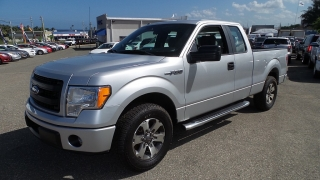 Ford F-150 Xl Plateado 2013
