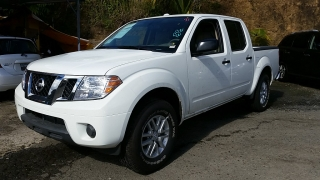 Nissan Frontier SV Blanco 2015