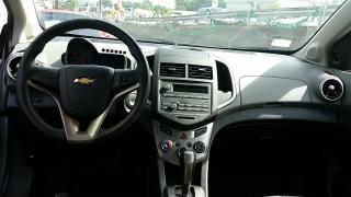 Chevrolet Sonic Ls Plateado 2014
