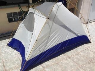Caseta camping de 2 personas, nunca usada!