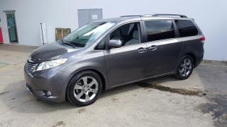 Toyota Sienna Ltd Gris Oscuro 2012