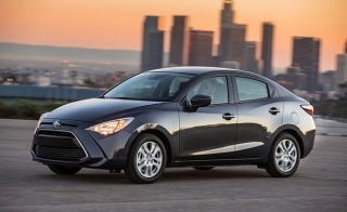 Toyota YARIS 2017 $ 129 MENS
