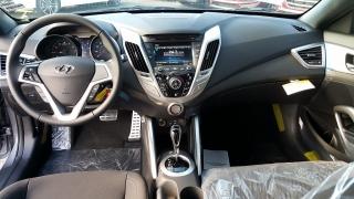 Hyundai Veloster Gris Oscuro 2016
