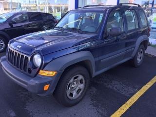 Hoy líquido Jeep Liberty 2006 un solo dueño llama q se va. Tienes q verla