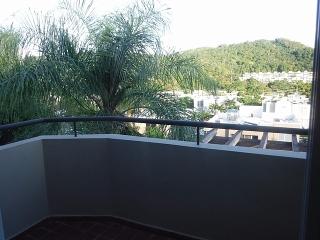 Haga Su Oferta!!! 15-0345 Casa ubicada en Encantada, una casa de 2 pisos en la urb. L' Antigua.