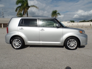 SCION XB 2012,SR.COLON 787-649-0586