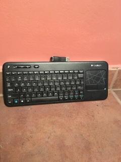 Monitor con teclado inalámbrico