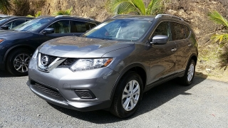 Nissan Rogue SV Gris Oscuro 2016