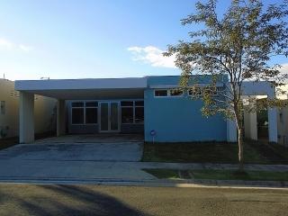 Casa, Montefiori, 3 cuartos, 2 1/2 baños, Caguas