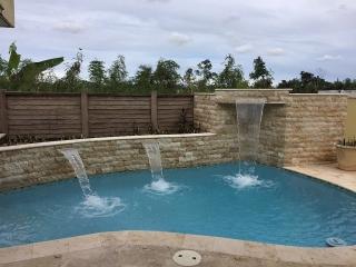 Pradera del Rio-4h 2.5b,piscina move-in ready