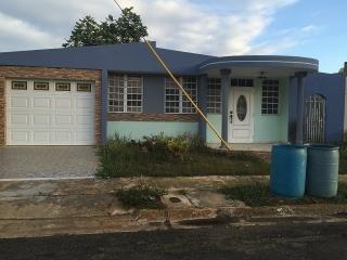 Urb. Jardines de palo blanco en Arecibo