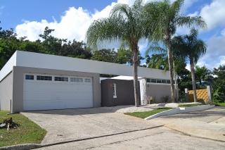 (DS) CAGUAS Chalets de Bairoa Calle Reinita 125 $199,900