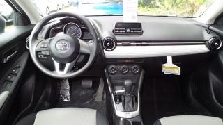 Toyota Yaris Sedan Blanco 2016