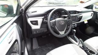 Toyota Corolla LE Plateado 2016