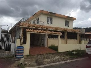 Haga Su Oferta!!! 15-0343 Propiedad de ubicada en la Urb. Villa Nueva en Caguas, PR.