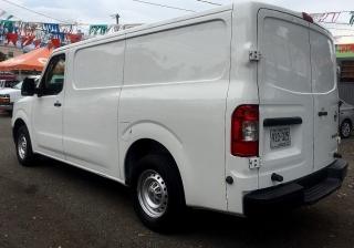 Nissan NV S 2012