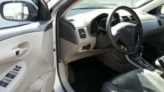 Toyota Corolla LE Gris Oscuro 2010