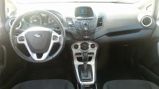 Ford Fiesta SE Plateado 2014