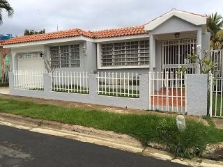 Urb. Boneville Height - Caguas - #8974