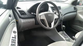 Hyundai Accent GL Gris Oscuro 2014
