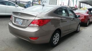 Hyundai Accent GL Marron 2014