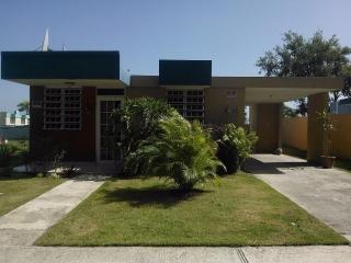 Casa lista para Alquiler, en Urb Monte Claro Cabo Rojo.