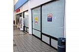 Excelente Local 851 p/c Entre Banco Popular y Kress | Bienes Raíces > Comercial > Locales > Comerciales | Puerto Rico > Vega Alta