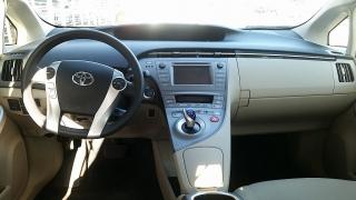 Toyota Prius One Rojo 2012