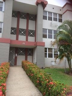 HAGA SU OFERTA!!!!  14-0215 Propiedad ubicada en Cond. Parque San Antonio, Caguas, PR.