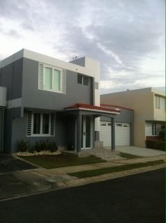 Casa en Urb Riverside park Bayamon