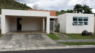 Urb. Las Quintas de Altamira, 4H 2B 1/2 Moderna Comoda y Amplia con Patio