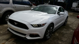 Ford Mustang EcoBoost Blanco 2016
