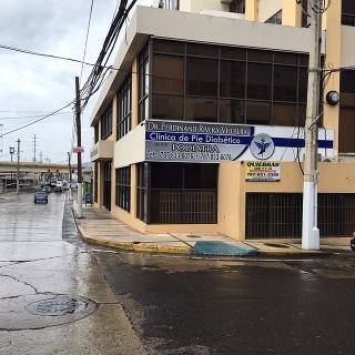 Cond. Mendez Vigo - Amplio Local Comercial