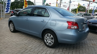 Toyota Yaris Sedan Azul 2011