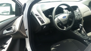 Ford Focus SE Blanco 2015
