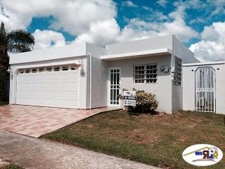 Urb. Hacienda Borinquen - Caguas - #5368