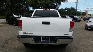 Toyota Tundra 4WD Truck LTD Blanco 2011