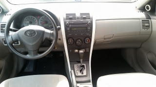 Toyota Corolla LE Blanco 2011