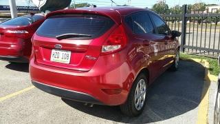 Ford Fiesta SE Rojo 2011