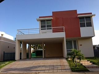 Se vende casa en Urb Paseo de Los Artesanos