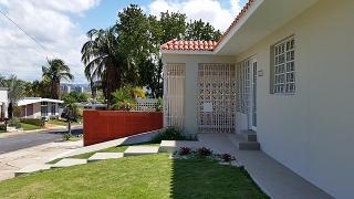 Haga Su Oferta!!! 14-0018 Propiedad de ubicada en la Urb. Oasis Gardens en Guaynabo, PR.