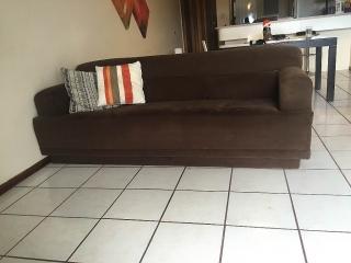 Dos sofás como nuevos- $300. Aprovecha!