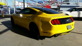 Ford Mustang EcoBoost Amarillo 2016